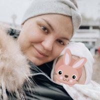 Mama mit Elli 9 Monate alt